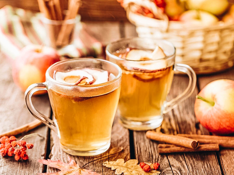 Two cups of hot apple cider