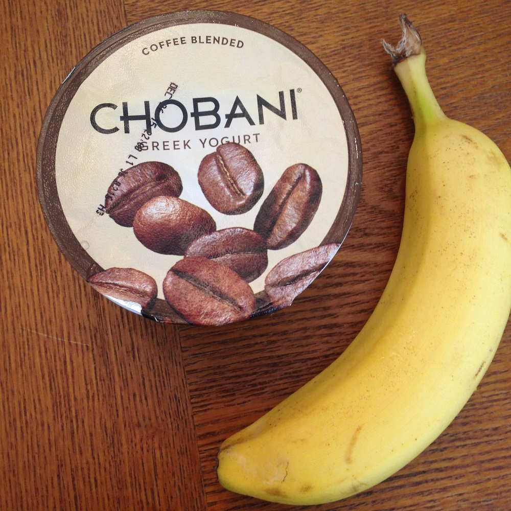 chobani banana_All you snackers, how to snack smart and choose good snacks.