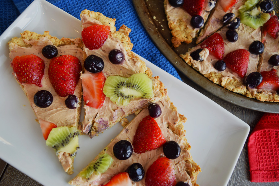 Fruity Dessert Pizza, Gluten Free, Chocolate Peanut Butter Glaze, pizza