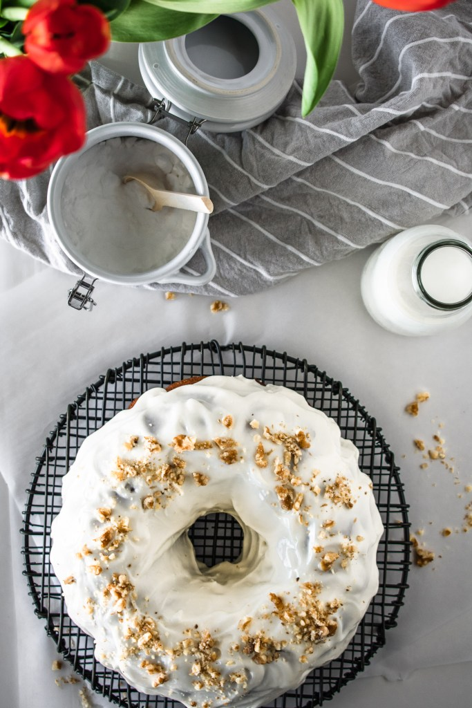 Hummingbird bundt cake with cream cheese glaze