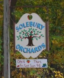 Solebury Orchards sign