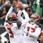 Mike Evans and Jameis Winston are working on their Chemistry.