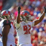 Buccaneers re-sign William Gholston