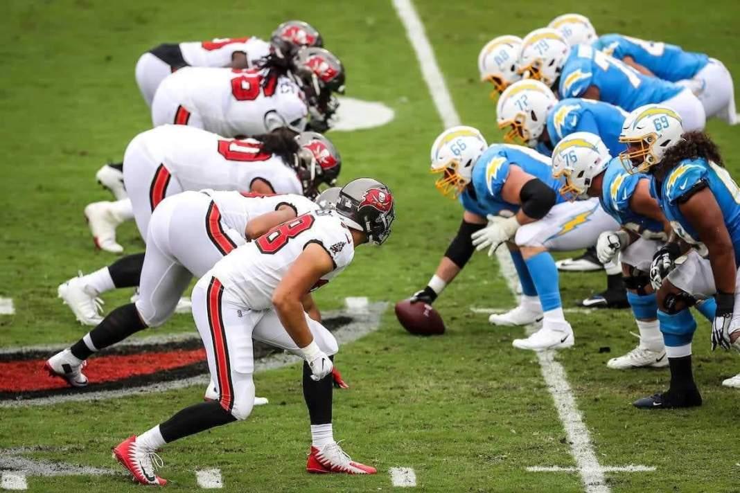 Buccaneers vs. Chargers/via buccaneers.com