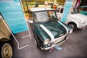 Expoziția mini mașinilor - la Mega Mall. Dacia Lăstun și Trabantul printre exponate