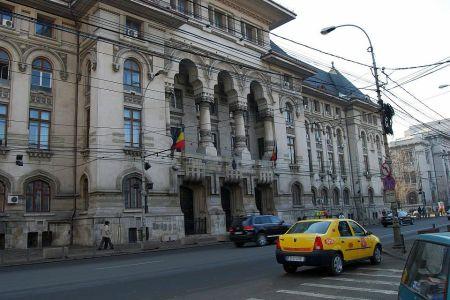 Peste 2000 de taxi-uri circula fara autorizatie in Bucuresti! Ce face primaria?