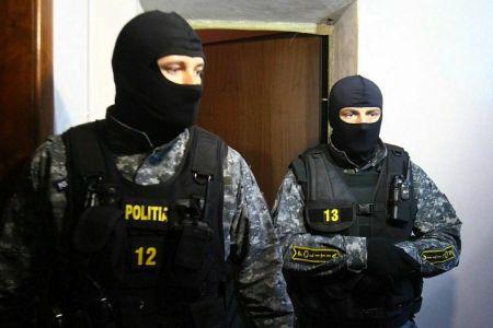 Descinderi masive in Bucuresti intr-un dosar de proxenetism