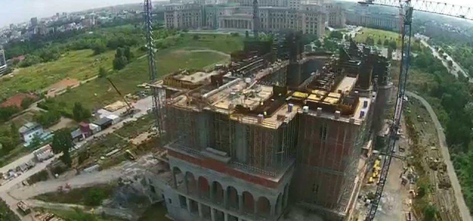 Gabriela Firea aloca inca un milion de euro din banii primariei pentru Catedrala Mantuirii Neamului!