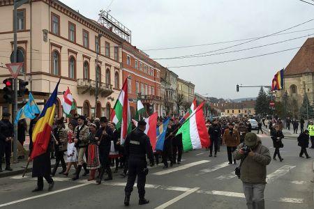 """Ungurii incep o campanie IMPOTRIVA BUCURESTIULUI! """"Salvam Clujul de Bucuresti, taxele noastre sa imbogateasca Ardealul, nu Capitala!"""""""