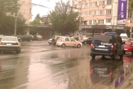 Cum e posibil ca de fiecare data cand ploua in Bucuresti sa fie dezastru?!