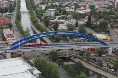 Ocoliti zona Mihai Bravu! Traficul este aproape blocat din cauza lucrarilor!