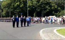 Gafa jenanta a ministrului apărării la ceremonia din Bucuresti de Ziua Aviatiei!