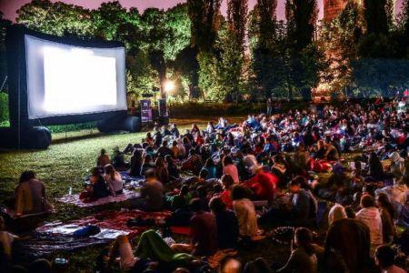 In aceasta seara se redeschide cinematograful in aer liber din Herastrau!