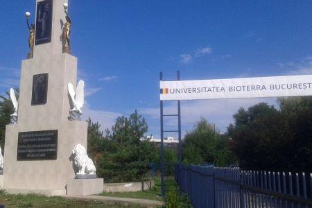 Primaria Sectorului 1 a ridicat din bani publici un monument dedicat institutiei care le-a dat diplome lui Negoita si Pandele!