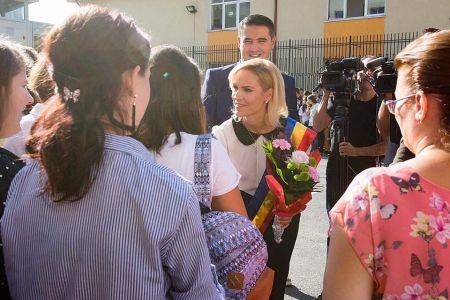 Gabriela Firea anunta introducerea unui sistem de plata in toate parcarile publice din Bucuresti!