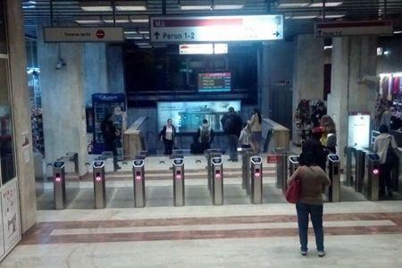Statii de metrou pazite de trupele speciale!