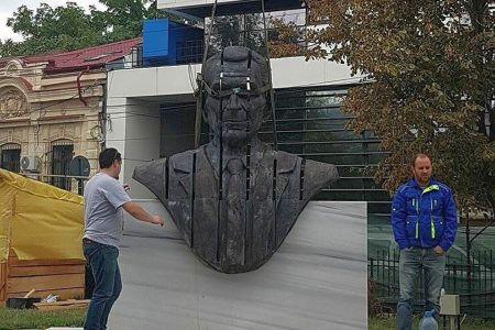 FOTO-Cum arata cea mai noua statuie din Bucuresti, pe care primaria Capitalei a platit 160.000 de lei