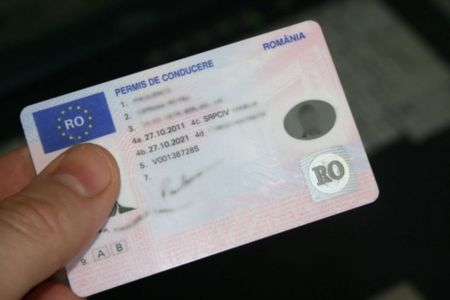 Bucurestenii isi vor primi noile permise de conducere acasa, prin Posta Romana