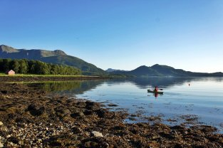 The water was so clear that Skjalg was able to see crabs and schools of fish as he kayaked
