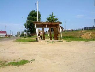 Автобусная остановка в Оймуре