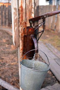 Ручной насос для воды из скважины в Кырене
