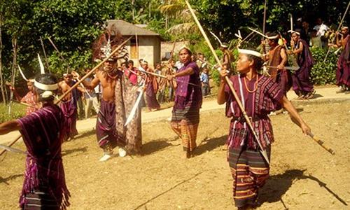 tarian khas sulawesi barat