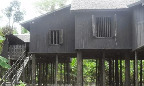 rumah adat Kalimantan Tengah disebut