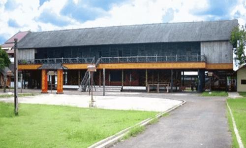 keunikan rumah adat Kalimantan Barat