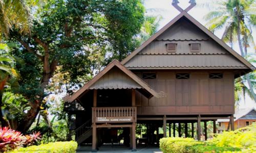 5 Nama Rumah Adat Sulawesi Selatan Gambar Penjelasannya