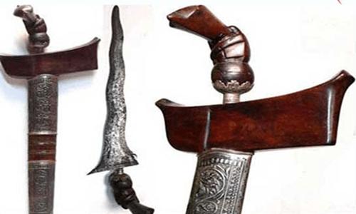 senjata tradisional 34 provisi dan gambarnya