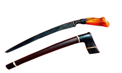 senjata tradisional dan keterangannya