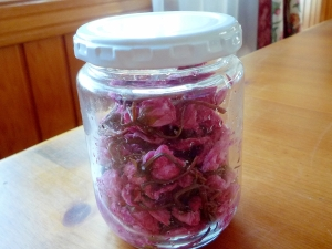 桜の塩漬けの容器
