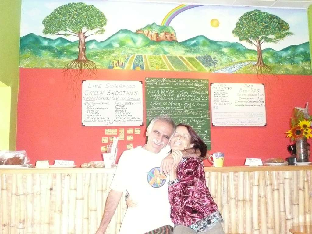 "Anasha with Dennis, the owner of the ""Juice Factory"" in Vilcabamba last January"