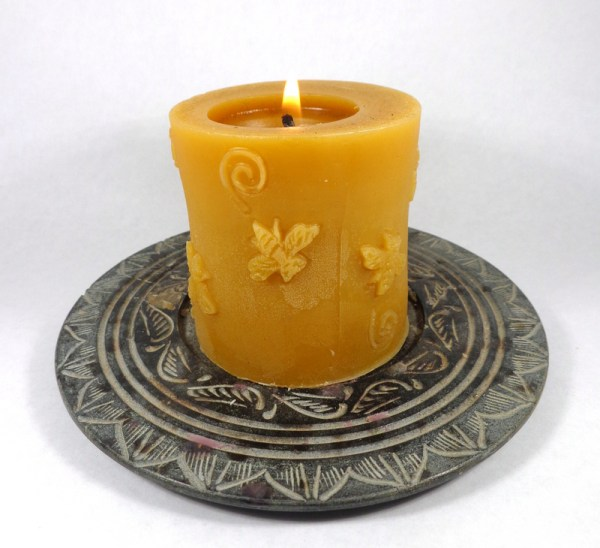 100% Pure Beeswax Buzzing Bee Cylinder Candle
