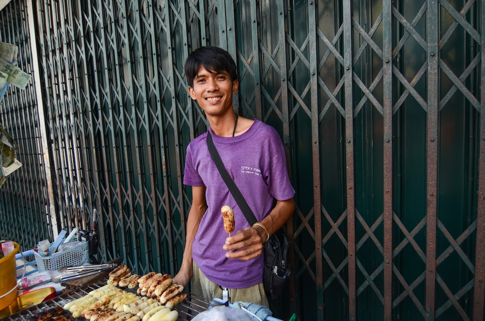 bangkok-food-talat-railway-thailand-buddha-drinks-fanta-3018