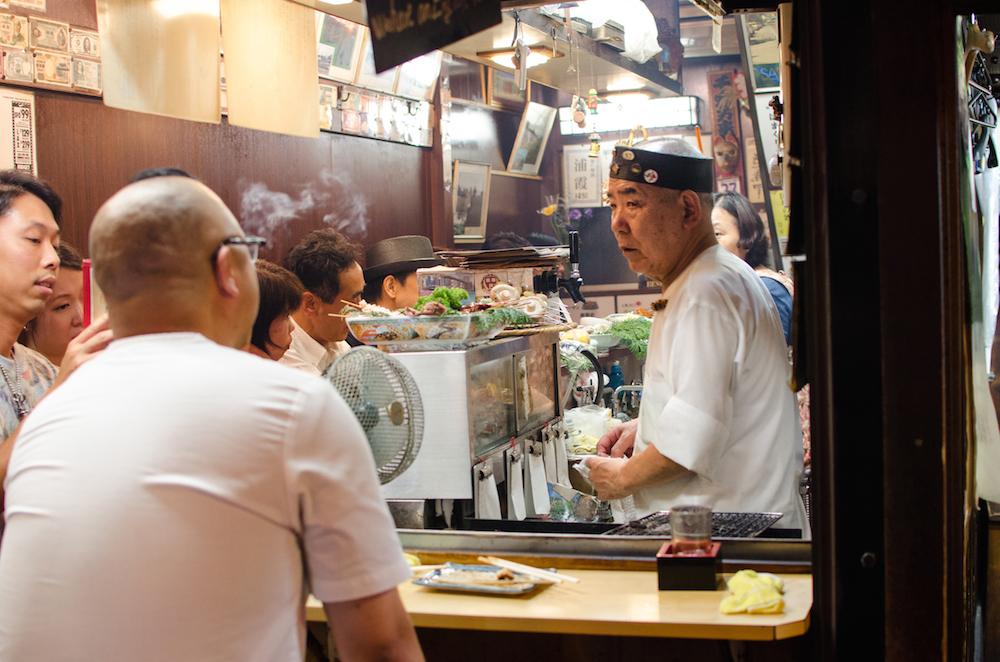 eating-izakaya-tokyo-shinjuku-best-spots-late-night-omoide-golden-gai-buddha-drinks-fanta