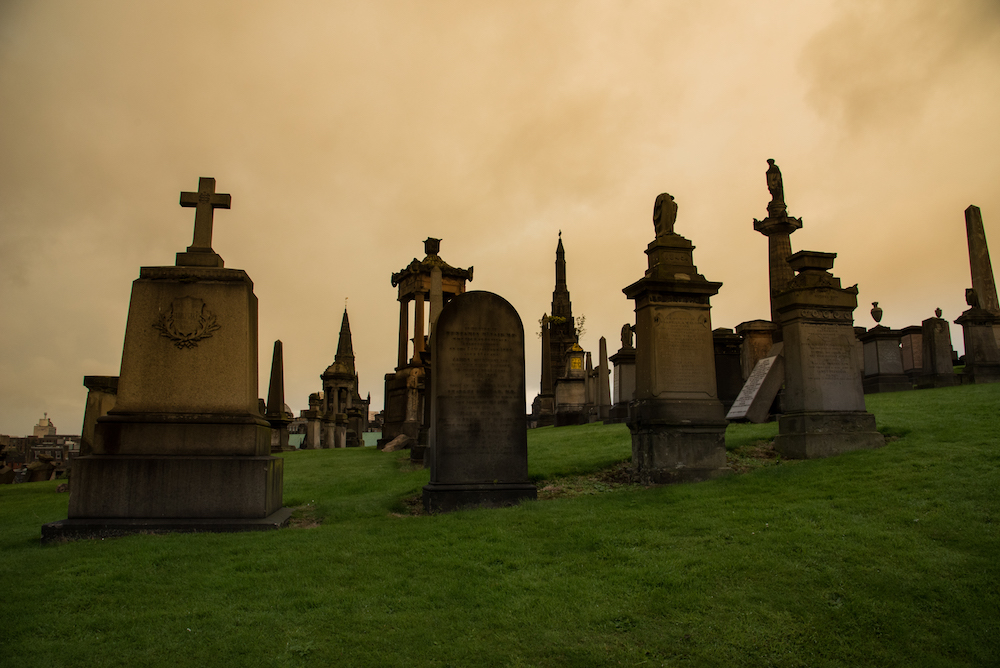 necropolis-glasgow-cemetery-historic-church-tombstones-scotland-buddha-drinks-fanta-jenny-adams-photographer-writer-travel-europe-afternoon