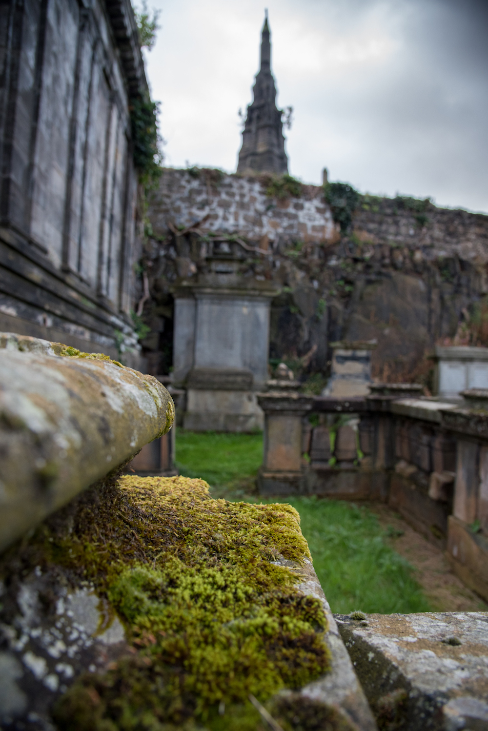 necropolis-glasgow-cemetery-historic-church-tombstones-scotland-buddha-drinks-fanta-jenny-adams-photographer-writer-travel-europe-moss