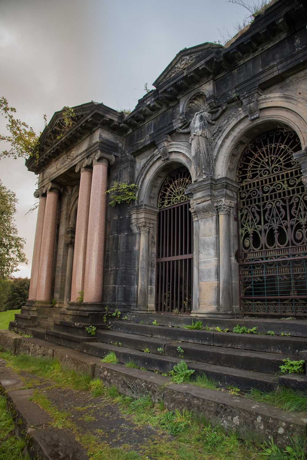 necropolis-glasgow-cemetery-historic-church-tombstones-scotland-buddha-drinks-fanta-mausoleum-jenny-adams-photographer-writer-travel-europe