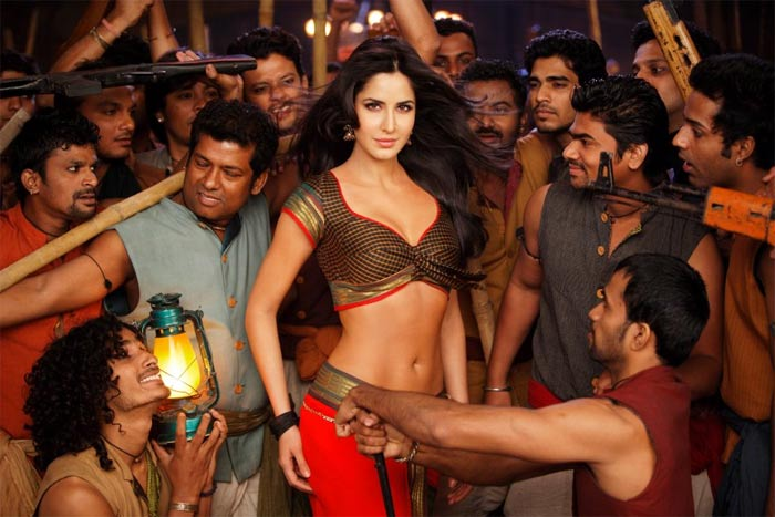 First Look of Katrina Kaif in Agneepath as Chikni Chameli