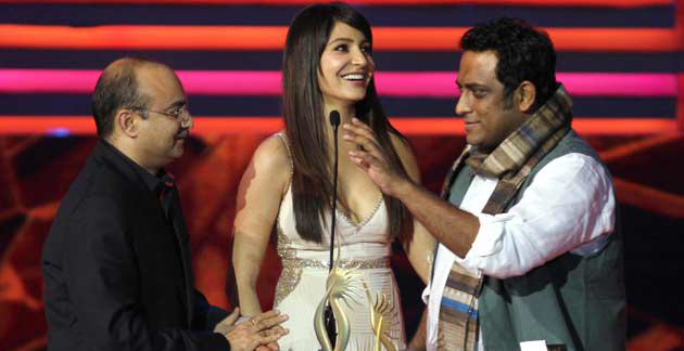 Anushka Sharma receiving award of Best Actress in Supporting Role