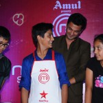 Chef Vikas Khanna crowning Junior MasterChef of Ahmedabad