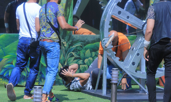 Puneet Issar attacked on Arya Babbar in Bigg Boss during task