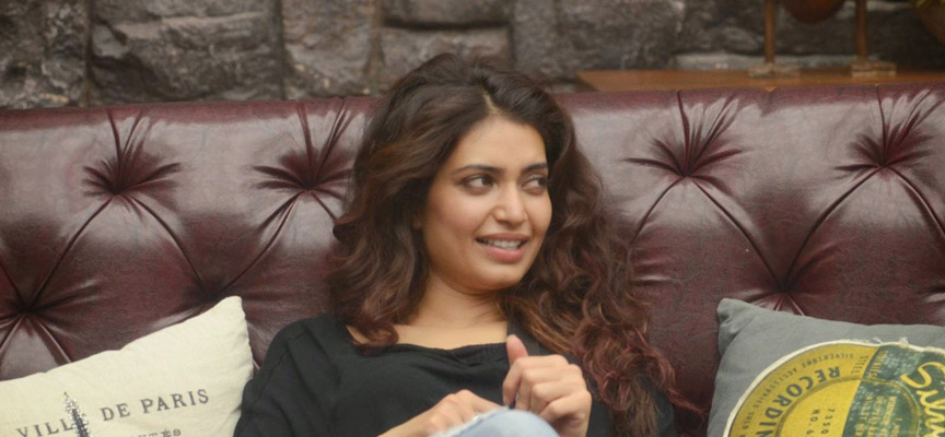 Shirish Kunder made fun of #StopTargetingKarishma and what Karishma Tanna fans did will make you ROFL
