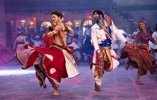 10 Reasons Why Gujjus Love Garba
