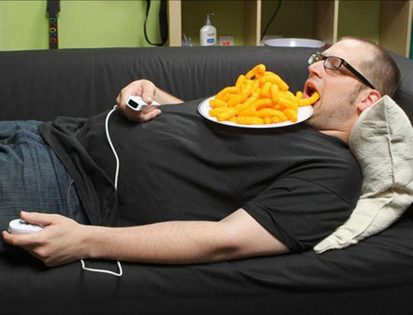 You eat like this - 10 Signs That Prove You Are The King of Laziness!