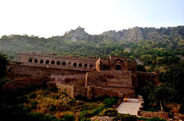 Bhangarh Top 10 Most Haunted Places of India