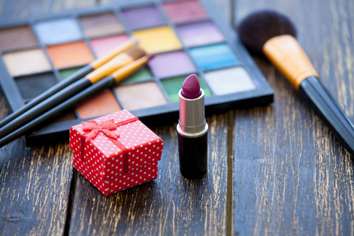 8 Things Only Makeup Lovers can Relate To!