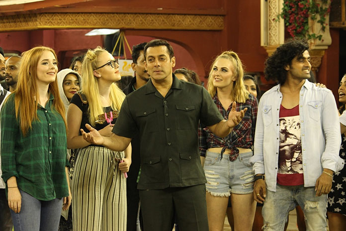 Bigg Boss 10 Premier Review: Hit or Flop?