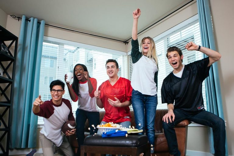5 Party Games That Will Liven Up Your Next Hangout!